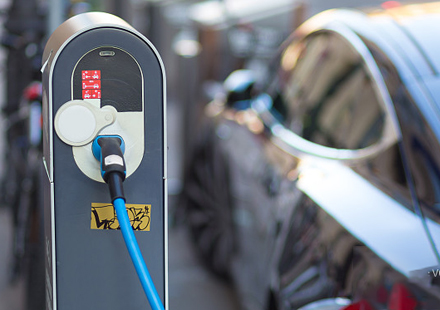 New energy vehicle manufacturing technology and equipment